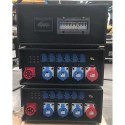 Coffret de distribution en location - 32 Ampères - INDU-ELECTRIC Sur l'image 3 coffrets empilés